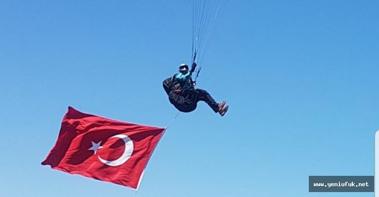600 Metre Yükseklikte Türk Bayrağı'nı Dalgalandırdılar
