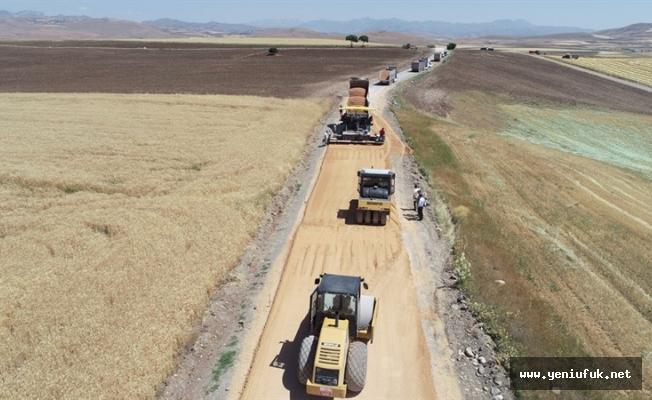 Karakoçan Kümbet ve Cumhuriyet Köylerinin Yolları Asfaltlanıyor