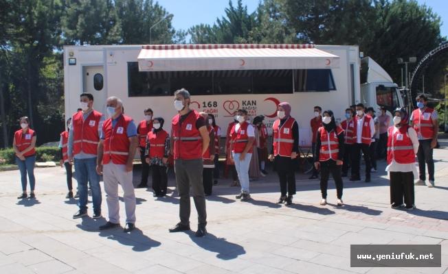 98 Gönüllü Kan Bağışında Bulundu