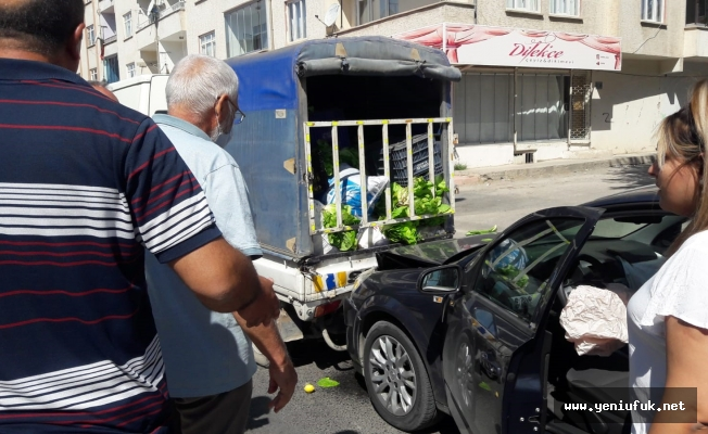 Otomobil Kamyonete Arkadan Çarptı: 2 Yaralı