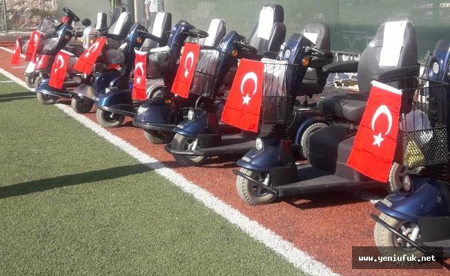 Elazığ'da 80 Akülü, 50 Tekerlekli Sandalye Dağıtıldı