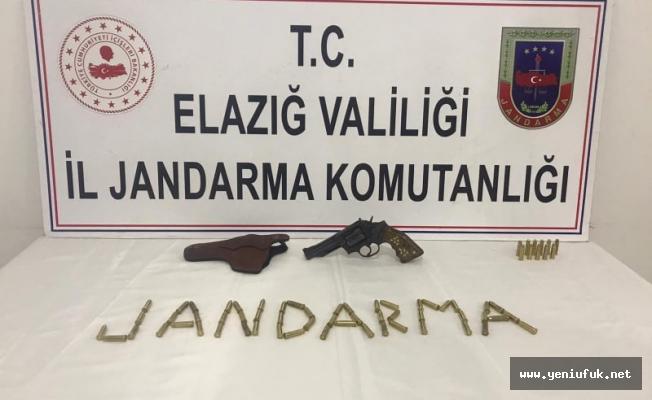 Jandarma devriyesi suçluların ensesinde