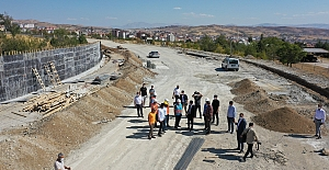 Fethi Sekin Şehir Hastanesi'ne Ulaşımı Kolaylaştıracak Yeni Yol Yapılıyor