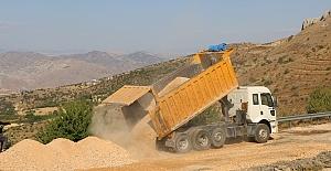 Harput Köy Yollarında Asfalt ve Yol Bakım Çalışmaları Sürüyor