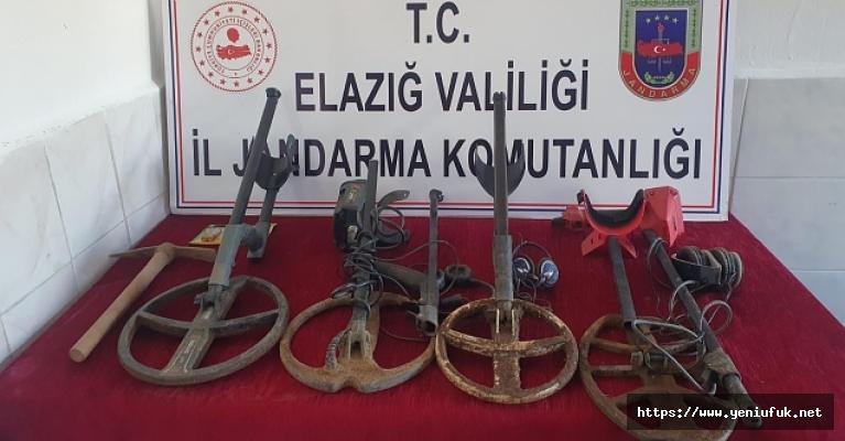 Kaçak Kazı Yapan 4 Kişi Suçüstü Yakalandı