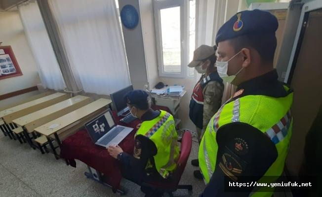 Elazığ İl Jandarma Komutanlığı EBA üzerinden Öğrencilere uzaktan eğitim verdi