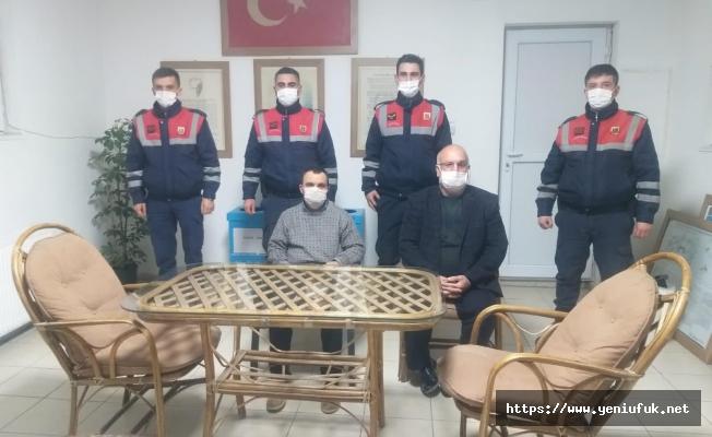 Jandarma Down Sendromlu Vatandaşı Bulup Ailesine Teslim Etti