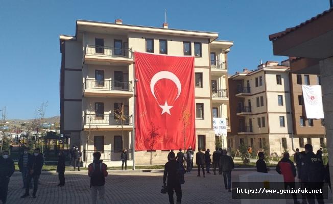 Karşıyaka'daki TOKİ Konutları İçin Kura Çekimi Yapıldı