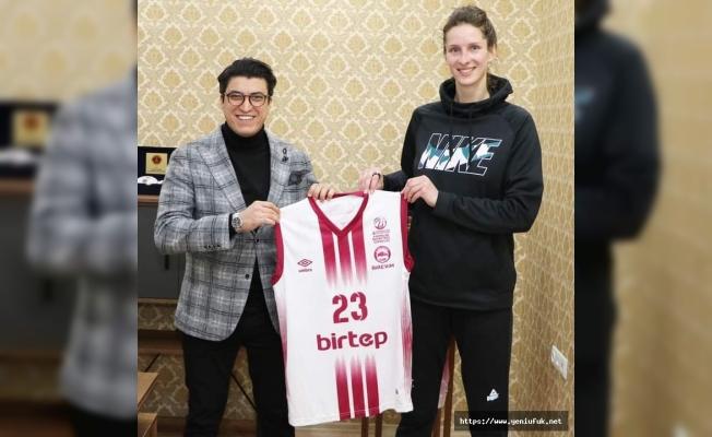 Elazığ İl Özel İdare, Fenerbahçe'den Kristine Vitola'yı aldı
