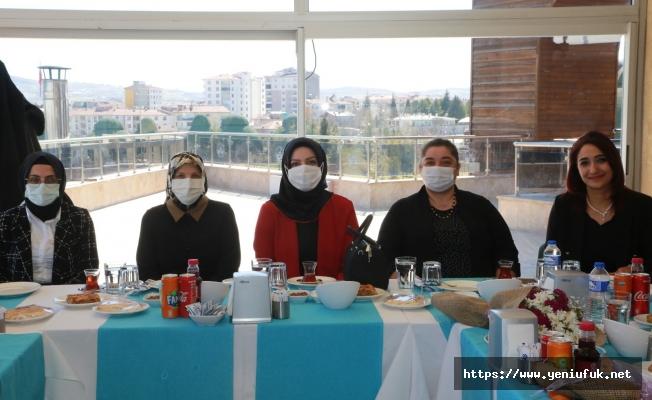 Kadın Meclisi Sağlık Çalışanlarını Unutmadı