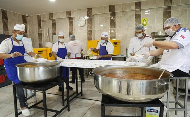 Elazığ Belediyesi'nden İhtiyaç Sahiplerine Sıcak Yemek