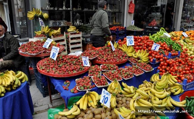 Meyve ve Sebzedeki Yüksek Fiyatlar Cep Yakıyor