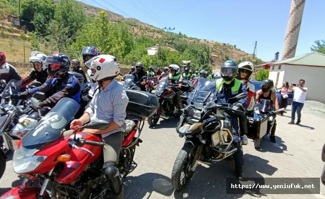 Motosiklet Kulübü Palu'ya Çıkarma Yaptı