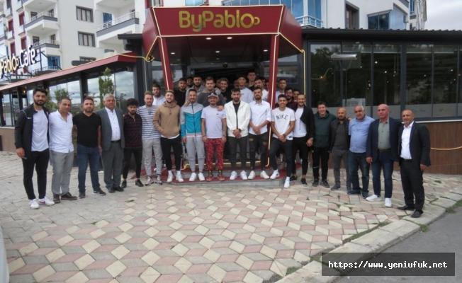 Bursaspor Elazığ Futbol Okulları'ndan Karakoçan FK'ya jest