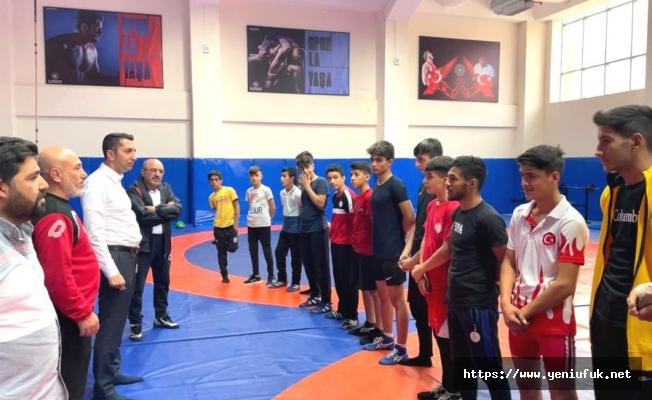 Güreş Antrenmanında Sürpriz Misafir