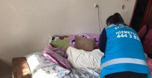 Depremde yaralanan vatandaşlar evlerinde ziyaret edildi