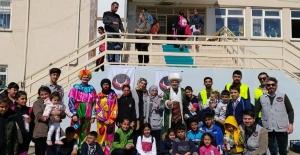 Depremzede Çocuklara Nasrettin Hoca Gösterisi