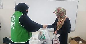 İHH'dan 2 Bin Aileye Kışlık Kıyafet Yardımı