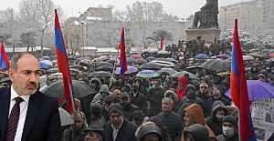 Ermenistan Ordusu Paşinyan'ın İstifasını istedi.